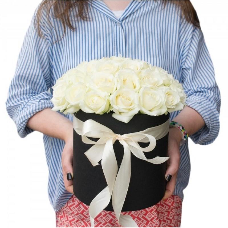 29 Бели рози в кутия