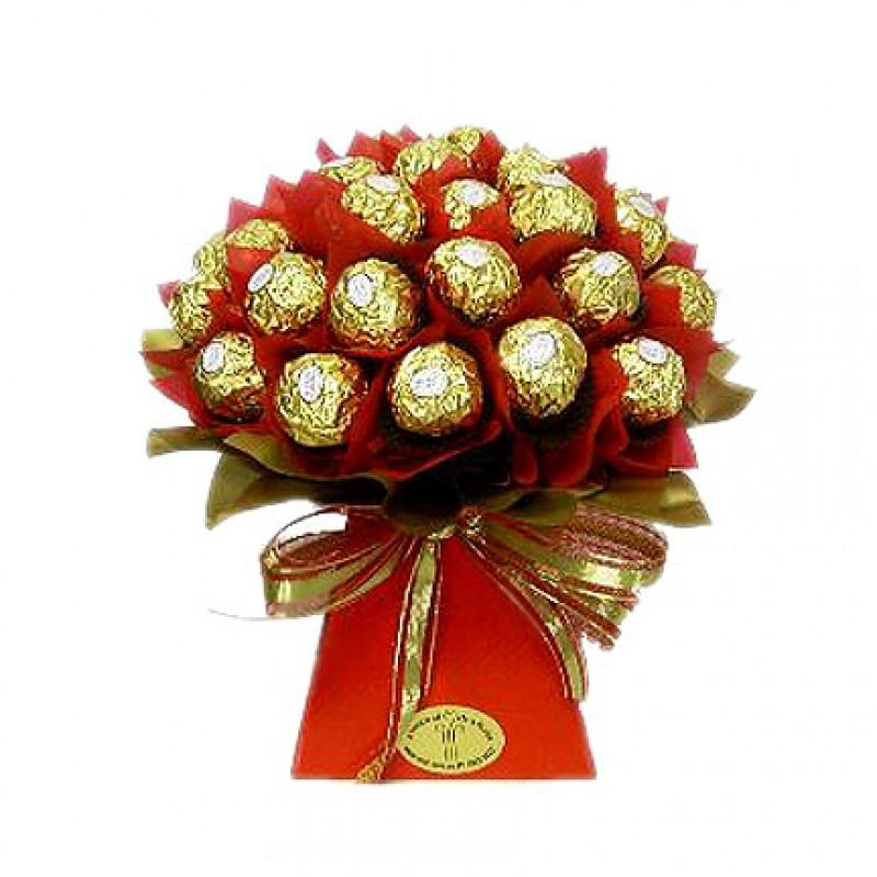 Шоколадов букет Фереро Роше в червено