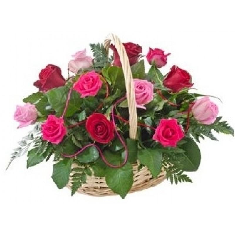 Кошница от 15 розови и червени рози